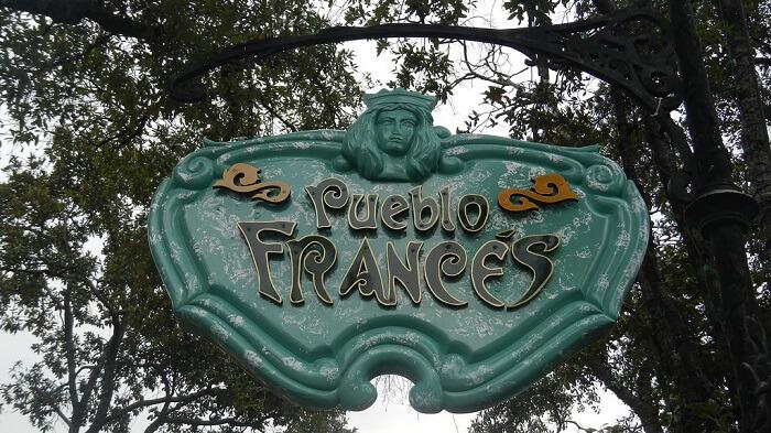 Pueblo Frances - Six Flags México